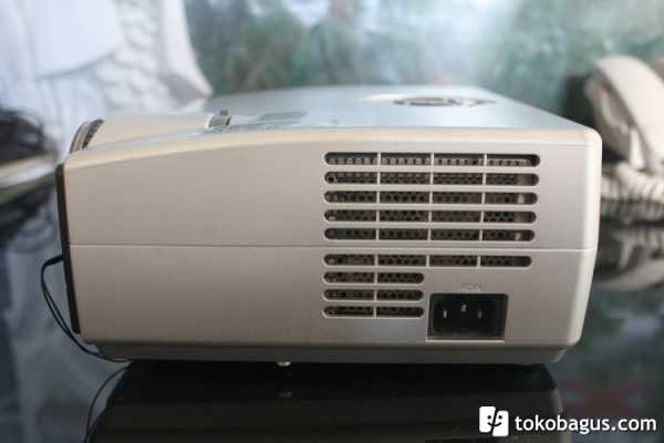 LCD PROYEKTOR TOSHIBA