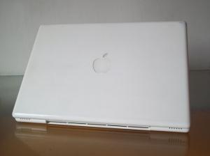Laptop Bekas Apple Mac 5.2 White