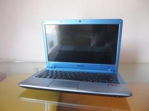 Laptop Bekas Samsung NP 355